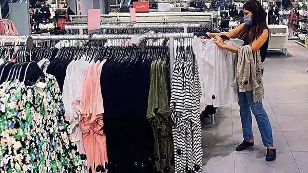 Ill-fitting or odd-size garments is not good news for e-commerce firms and malls, as buyers typically return such garments.ht