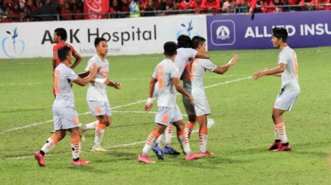 SAFF Championship: Sunil Chhetri brace inspires 10-man India to 3-1 win over Maldives and set up final vs Nepal