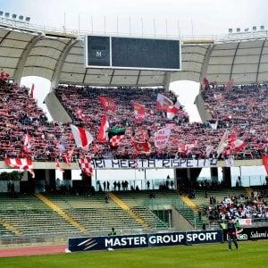 La Digos blinda il Bari calcio dopo la minaccia degli ultrà: allenamenti vigilati