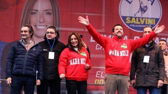 """Emilia Romagna, Fontana: """"Disabili e centenari portati ai seggi per far vincere il Pd"""". Orlando: """"Goffa propaganda"""""""