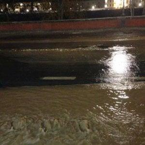 Firenze, si rompe tubo dell'acquedotto: chiuso Lungarno Cellini