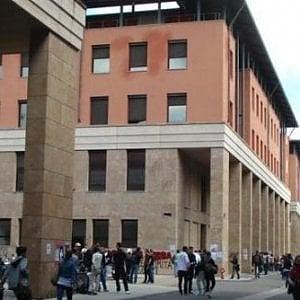Firenze, Casapound e Forza Nuova non invitati al dibattito sulle elezioni all'università. E il rettore ferma tutto