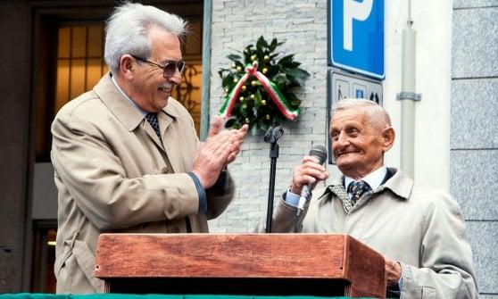 Varese, blitz dei naziskin contro il partigiano Pippo: minacce e intimidazioni all'incontro con i ragazzi