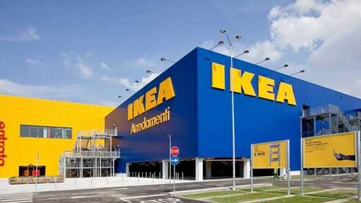 Ikea Rapina Con I Mitra Nellorario Di Punta Bottino