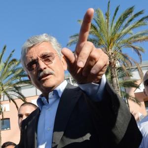 """Congresso Pd: oggi il responso, Civati: """"Gravi irregolarità"""". Scontro D'Alema-Renzi"""