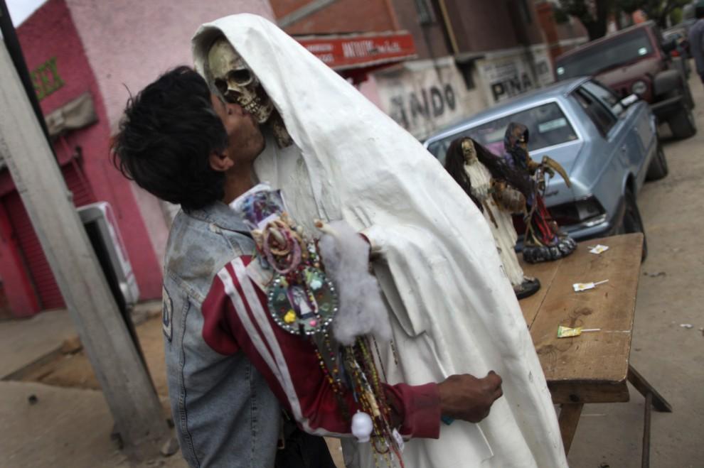 Messico, la Santa Muerte: culto e delinquenza