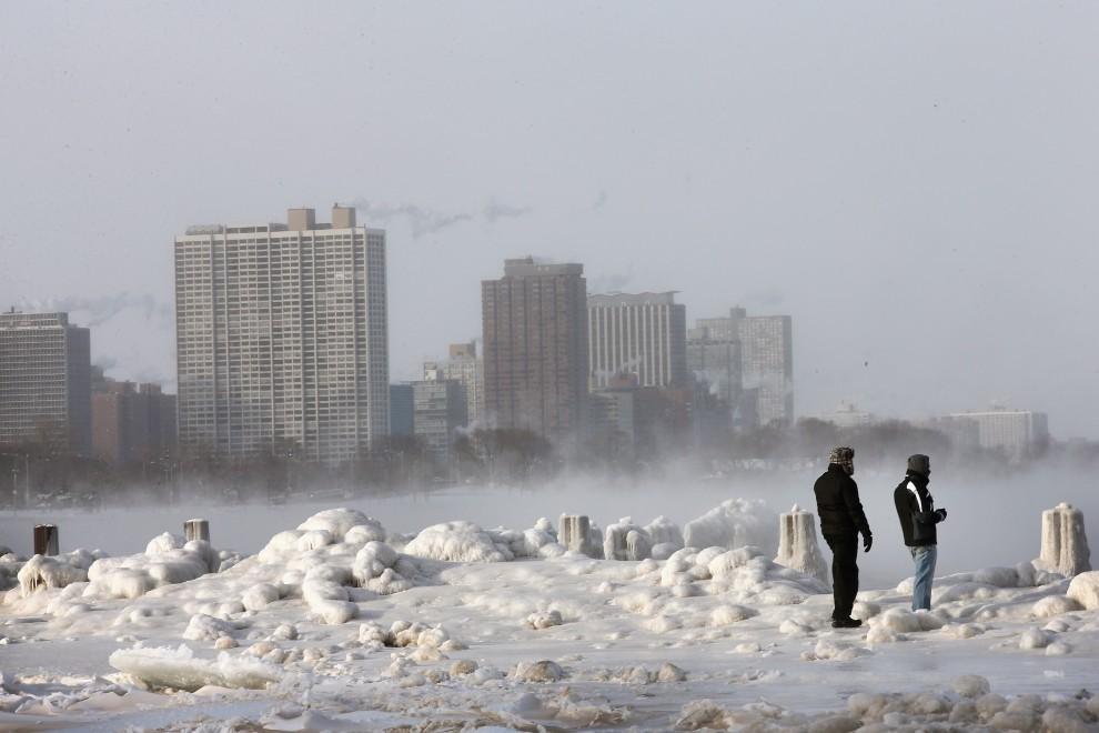 EUA, continua a onda de congelamento -27 graus em Chicago