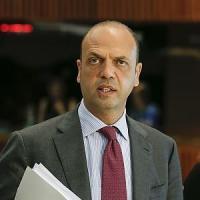 Tunisia, Mattarella: 'Tutti colpiti, ora coesione'. Alfano: 'Elevato allerta, ma non speculare sulla paura'
