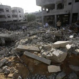 """L'accusa di Amnesty a Israele: """"Crimini di guerra a Gaza"""". Tel Aviv: """"Falsificano la realtà"""""""