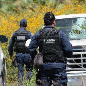 Messico, fossa comune con 105 corpi. Indagati poliziotti come co-responsabili della strage