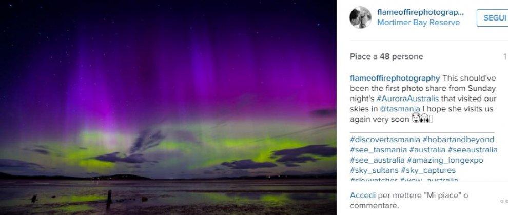 Australia, l'aurora australe colora il cielo della Tasmania