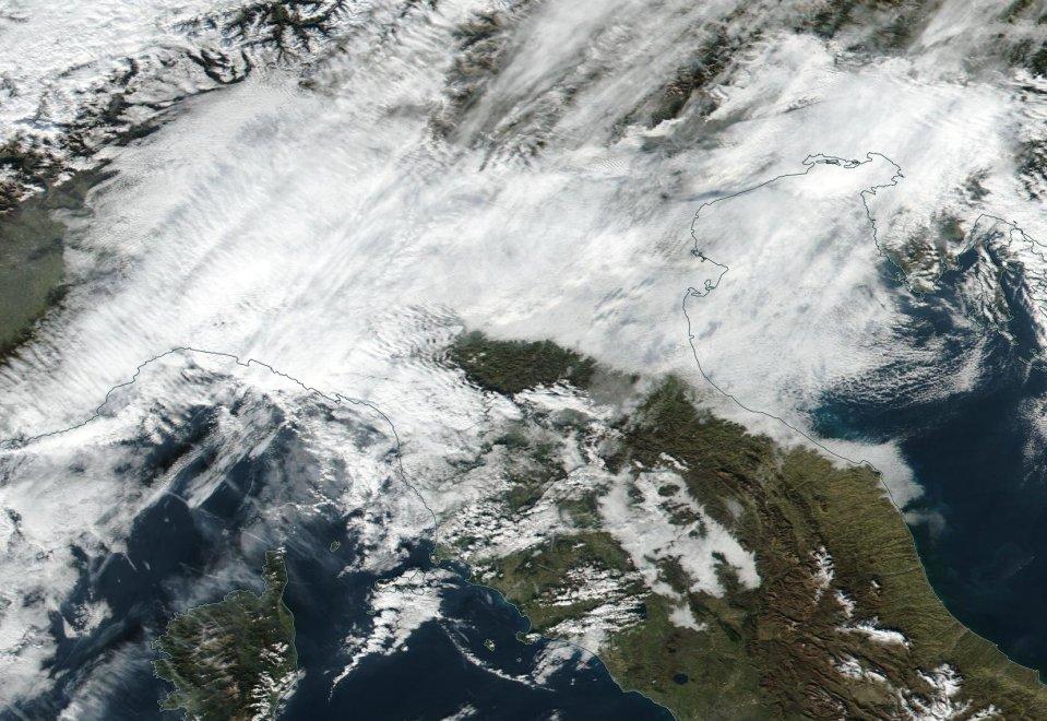 Pianura padana senza vento, la 'cappa' che aggrava l'emergenza smog