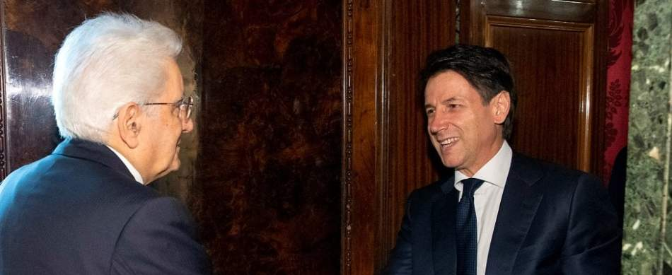 """Conte rinuncia. È scontro istituzionale, Di Maio e Meloni invocano impeachment per Mattarella. Il presidente: """"No a ministro dell'Economia antieuro"""". Convocato Cottarelli al Quirinale"""