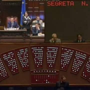 """Giustizia, governo battuto alla Camera. Pd all'attacco: """"Prendano atto che è finita"""""""