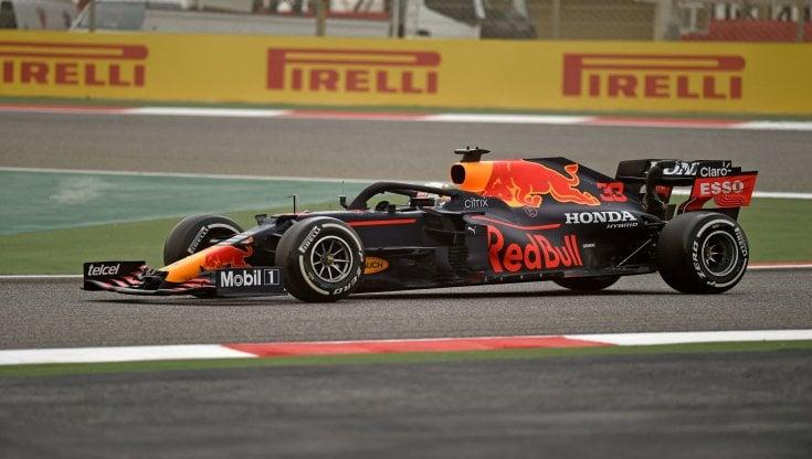 """Red Bull, una freccia nel Bahrain nei primi test della F1 2021. Ferrari,  Sainz impressiona: """"Devo scoprire i limiti della macchina e i miei"""" - la  Repubblica"""