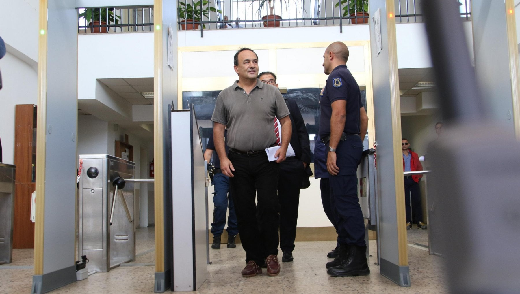Riace, l'accusa chiede 7 anni e 11 mesi per l'ex sindaco Mimmo Lucano
