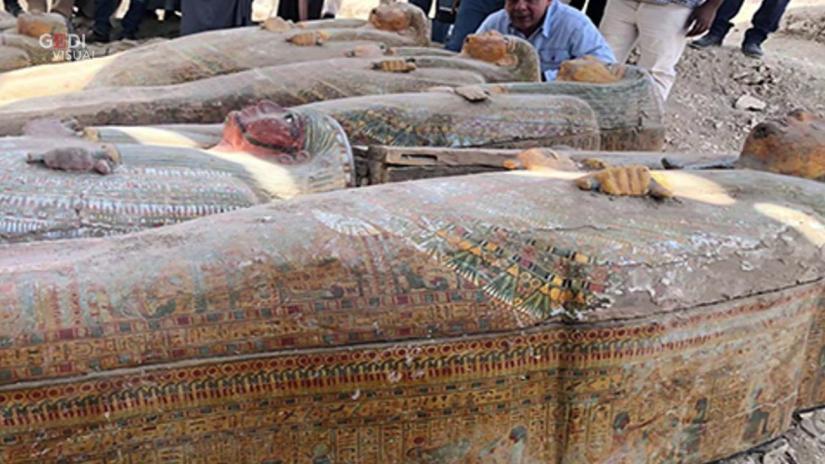 Risultati immagini per egitto scoperti 20 sarcofaghi sigillati repubblica