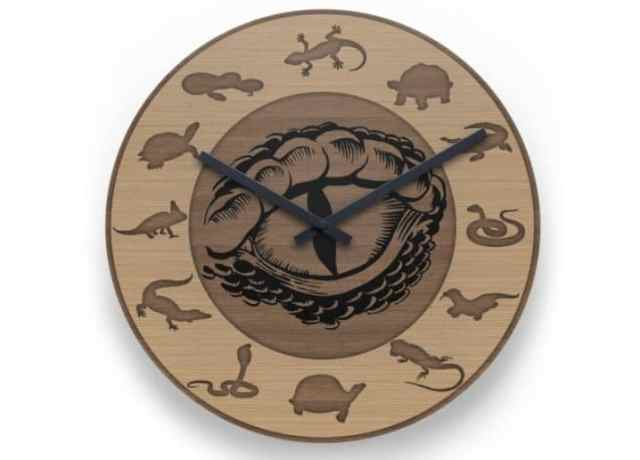 Christmas 2017 reptile gifts — Wooden reptile clock