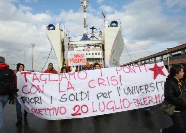"""Manifestazione a Villa San Giovanni: """"No al ponte"""""""