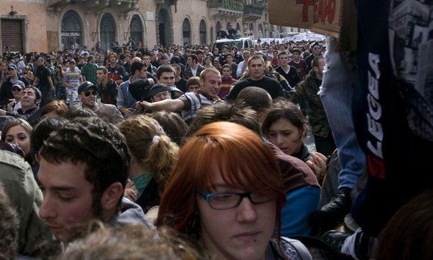 l'assalto agli studenti in piazza Navona{/B}