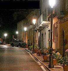 <B>Torraca, mille abitanti nel Cilento<br>dove le fluorescenti sono già il passato</B>