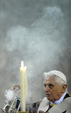"<B>Papa Ratzinger: ""L'inferno esiste<br>In Quaresima digiuno dai media""</B>"