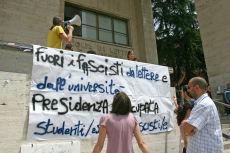 <B>Roma, scontri all'Università<br>Dura condanna di Alemanno</B>