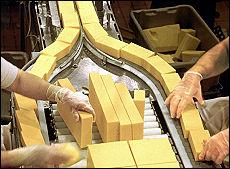 La truffa del formaggio avariato nel grattugiato finivano gli scarti