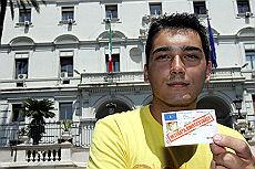 Patente sospesa a gay Lo risarciranno due ministeri