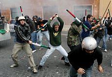 Un camion carico di spranghe e in piazza Navona è stato il caos