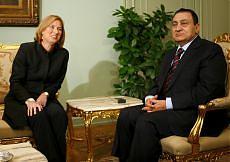 """Il ministro Livni in Egitto da Mubarak """"Pronti a offensiva in risposta a razzi Hamas"""""""