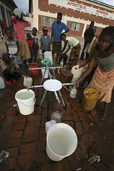 Zimbabwe, il colera fa strage quasi 774 le vittime accertate