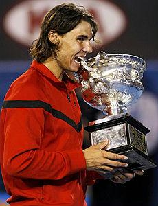 Nadal re anche a Melbourne Federer cede in cinque set