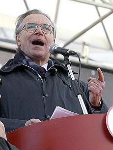 """La Cgil in piazza contro le divisioni """"In 700.000 per un piano anticrisi"""""""