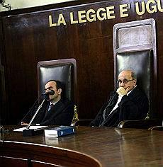 """""""Il processo? Aggiornato al 2017 La giustizia lumaca di Reggio Calabria"""