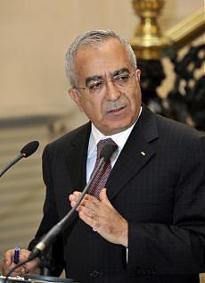 Si dimette il premier palestinese verso il governo di unità con Hamas