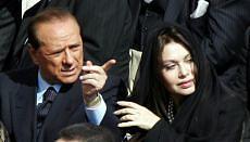 """Veline in lista, l'ira di Berlusconi """"Veronica manipolata da sinistra"""""""