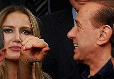 """Berlusconi-escort, paragone del Telegraph  """"Come Al Capone, preso per le tasse"""""""