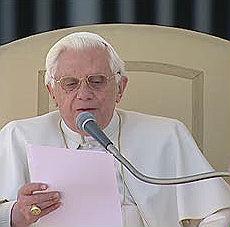 """Preti pedofili, la promessa del Papa """"Crimini odiosi, interverremo in Irlanda"""""""