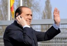 """Berlusconi attacca i pm e difende Bertolaso """"Santoro  scandaloso, trasmissioni inaccettabili"""""""