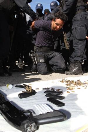 Messico, il capo stava coi narcos gli agenti riescono a cacciarlo