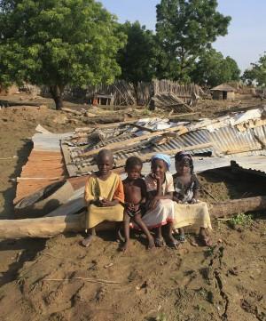 """Nigeria, l'allarme di Medici senza frontiere """"400 bambini   morti avvelenati da piombo"""""""