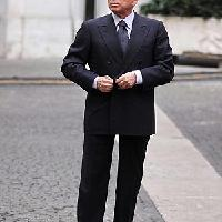 "WikiLeaks, l'ira di Berlusconi ""Mai partecipato a festini selvaggi"""