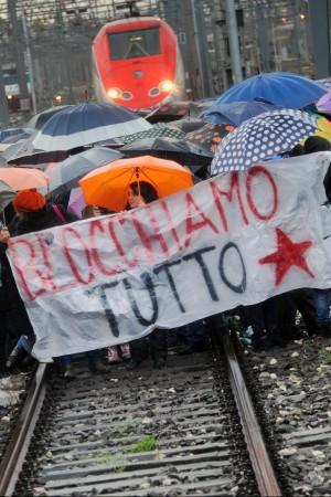 """Università, ancora proteste in tutta Italia  Gelmini: """"Senza ddl stop a concorsi e fondi"""""""