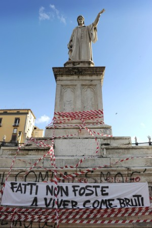 """Università, ancora occupazioni e cortei Fini: """"La protesta non risolve i problemi"""""""