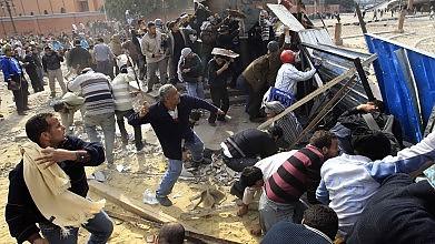Egitto caos, l'Onu lascia il Paese    Cecchini sparano sulla folla -   foto