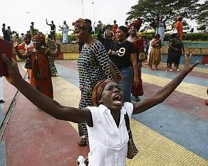 """La costa d'Avorio è in fiamme """"L'ultimo attacco a Laurent Gbagbo"""""""