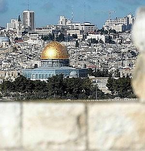 Israele, sì all'ampliamento di 2.000 case  Rinviato incontro tra Mazen e  leader di Hamas