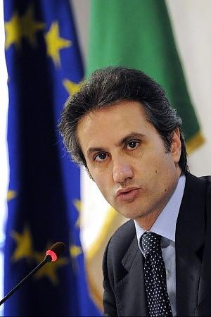 """Caldoro attacca la Lega: """"Irresponsabili"""" Il Carroccio: """"Ciascuno pensi ai propri rifiuti"""""""