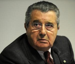 Un comma pro-Berlusconi per bloccare risarcimento a Cir